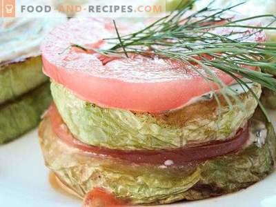 Gebratene Zucchini mit Tomaten und Knoblauch