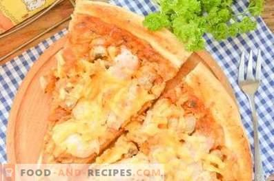 Пица со пилешко и печурки на тесто од квасец