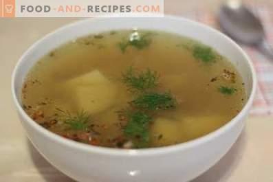 Картофена супа с агнешко месо в бавен котлон