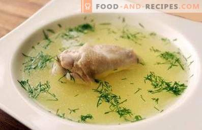 Chicken broth in a slow cooker