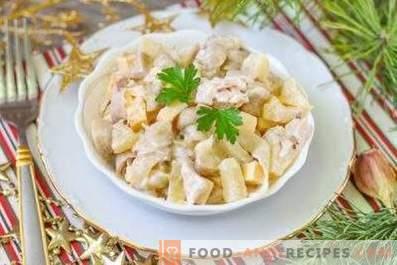 Salāti ar ananāsu un vistu